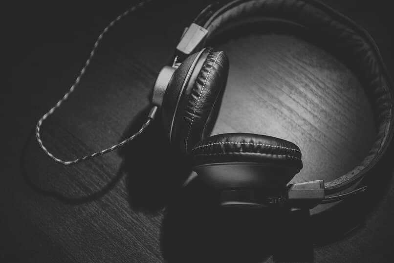 forma de iniciar sesion en deezer para esuchar canciones con los auriculares