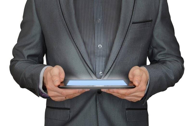 como mostrar la velocidad de carga y descarga en la barra de tareas de la pc o tableta