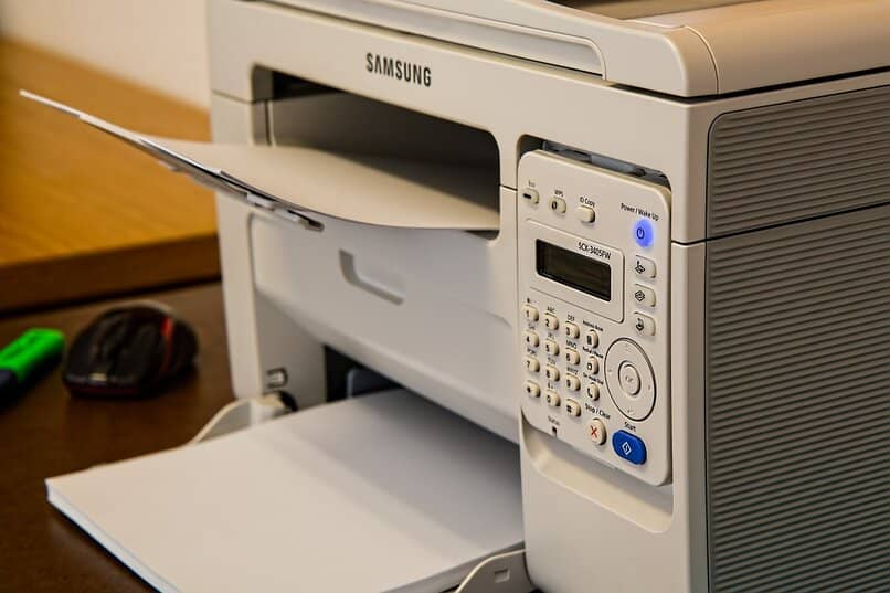 hacer etiquetas o pegatinas en word para imprimir en la oficina