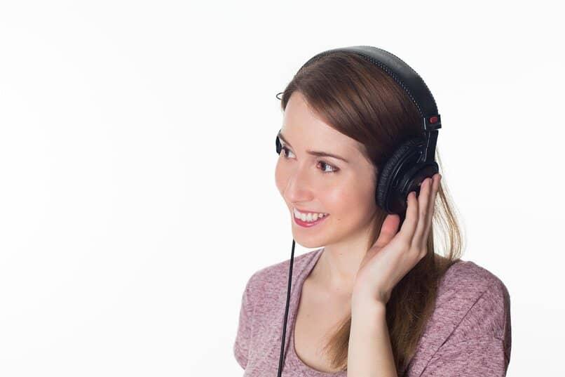 forma de grabar y escuchar audios en windows 10