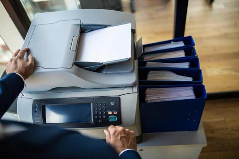 como utilizar una impresora con la red wifi