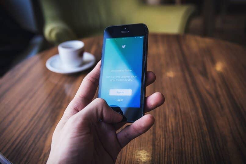 formas de ajustar la privacidad de twitter en el telefono